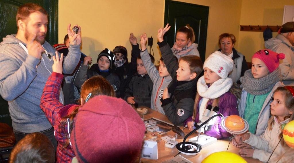 Bakonyi Csillagászati Egyesület meteorit bemutató