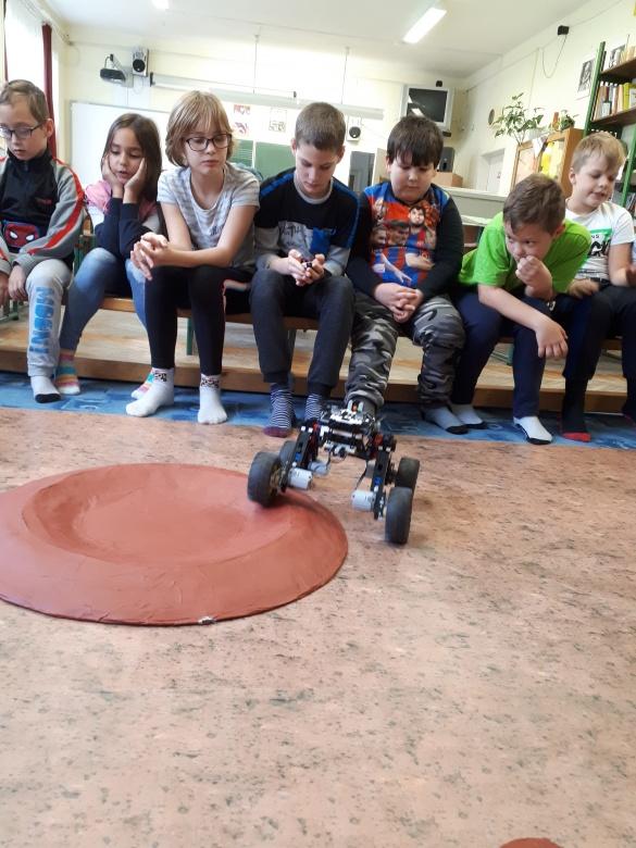 Bakonyi Csillagászati Egyesület LEGO marsjáró foglalkozás